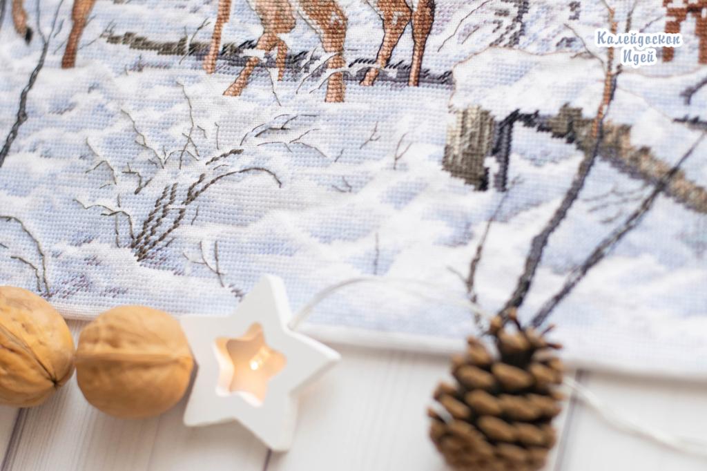 Dimensions 35130 Woodland Winter Олени в зимнем лесу
